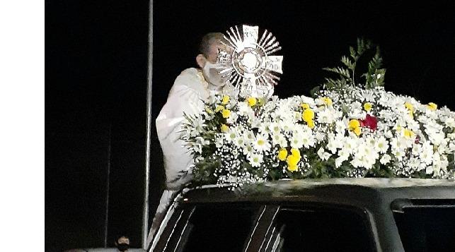 Bispo Diocesano dá benção do Santíssimo no Hospital Regional
