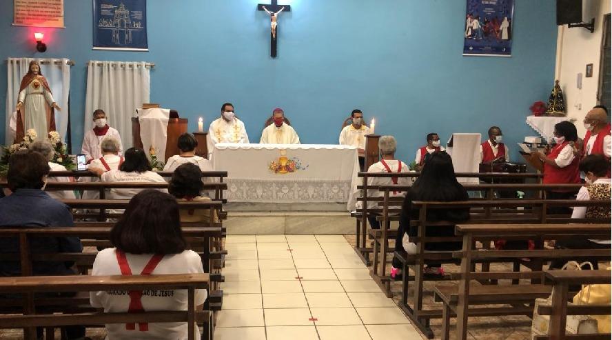 Comunidades de Barra Mansa recebem bispo diocesano pela primeira vez