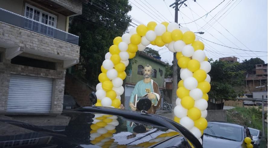 Comunidade São Pedro realiza cortejo com imagem do padroeiro