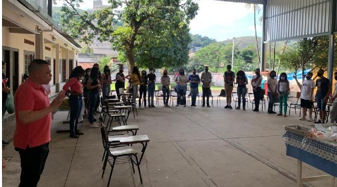 Missão Jovem acontece na paróquia São Sebastião-VR