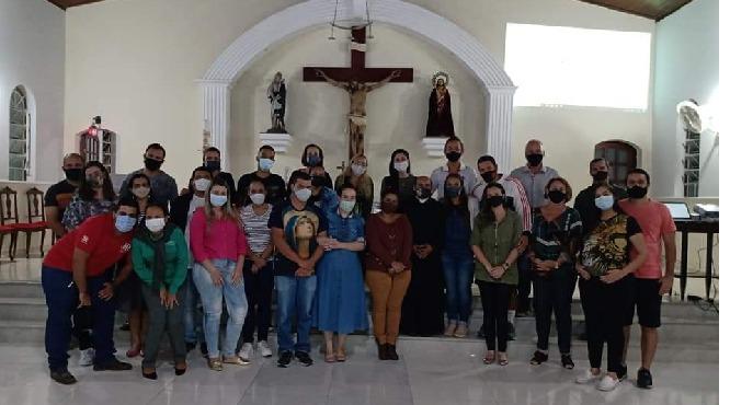 Paróquia Nossa Senhora das Dores realiza formação para casais